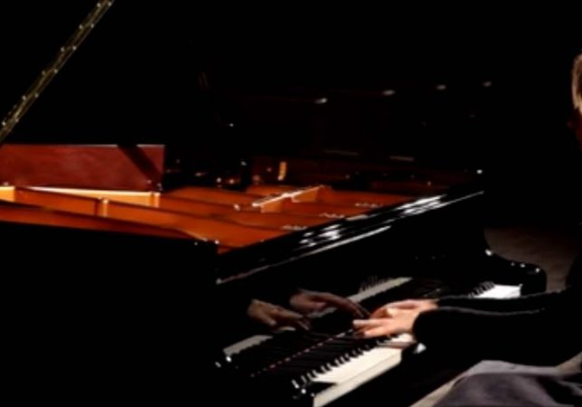 Piano Lessons in Homebush NSW with Piano Teacher Natalie Bossi And Play Valentina Lisitsa